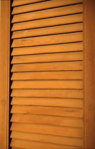 brown-wooden-shutter-993151-m