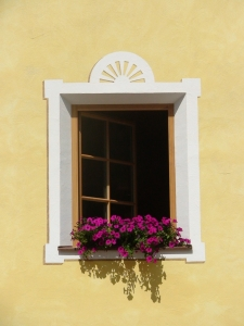 window-in-the-facade-of-dolomite-house-1383064-m